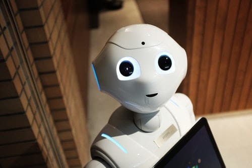 Virtual Agent or Chatbot? How to Choose the Right Option for Your Organisation
